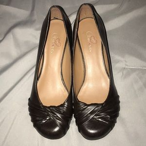 Cute Brown Dress shoes with small wedge like new